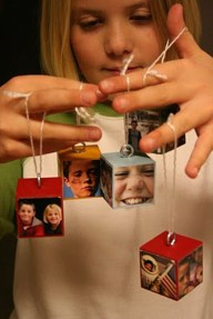 Cute And Creative Homemade Christmas Ornaments Ideas You Should Try 26