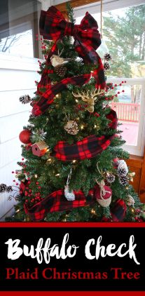 Easy And Creative DIY Christmas Tree Design Ideas You Can Try As Alternatives 24