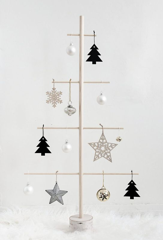 Easy And Creative DIY Christmas Tree Design Ideas You Can Try As Alternatives 53