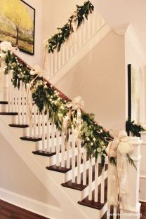Elegant White Vintage Christmas Decoration Ideas 02
