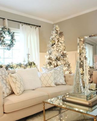 Elegant White Vintage Christmas Decoration Ideas 17