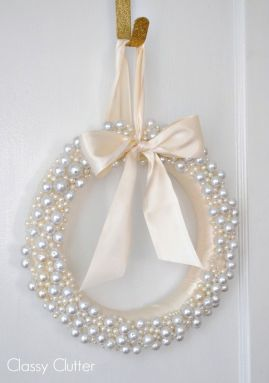 Elegant White Vintage Christmas Decoration Ideas 44