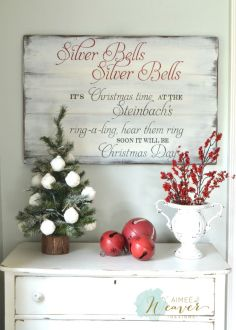 Elegant White Vintage Christmas Decoration Ideas 96