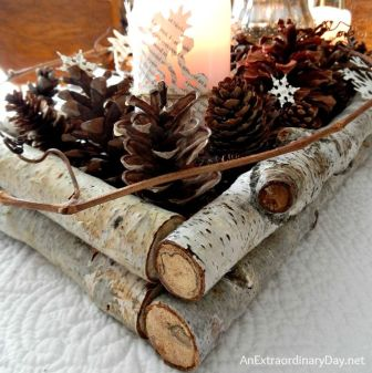 Inspiring Modern Rustic Christmas Centerpieces Ideas With Candles 26