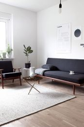 Inspiring And Affordable Decoration Ideas For Small Apartment 35
