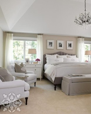 Modern And Elegant White Master Bedroom Decoration Ideas 21