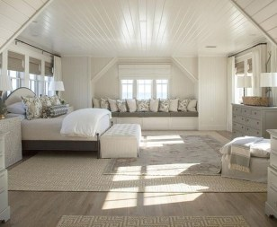 Modern And Elegant White Master Bedroom Decoration Ideas 59
