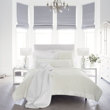Modern And Elegant White Master Bedroom Decoration Ideas 71