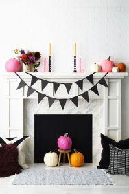 Scary But Classy Halloween Fireplace Decoration Ideas 27