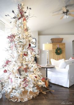 Stunning White Vintage Christmas Decoration Ideas 01