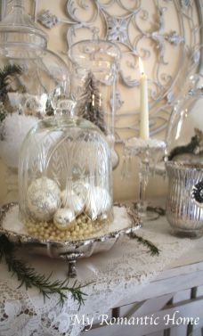 Stunning White Vintage Christmas Decoration Ideas 32