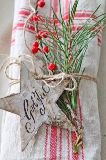 Stunning White Vintage Christmas Decoration Ideas 81