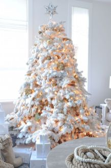 Stunning White Vintage Christmas Decoration Ideas 83