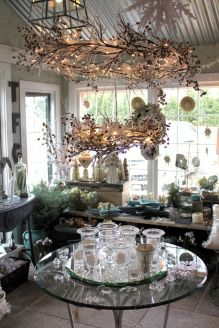 Stunning White Vintage Christmas Decoration Ideas 85
