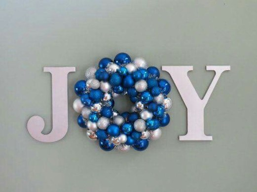 Amazing Silver And Blue Christmas Decoration Ideas For Christmas And New Year15