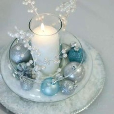 Amazing Silver And Blue Christmas Decoration Ideas For Christmas And New Year22