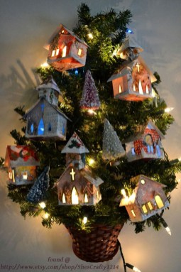 Brilliant And Inspiring Recycled Christmas Tree Decoration Ideas 08