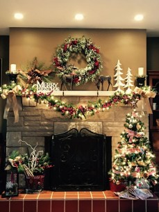 Cozy Fireplace Christmas Decoration Ideas To Makes Your Room Keep Warm10