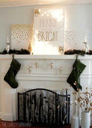 Elegant Black And Gold Christmas Decoration Ideas18