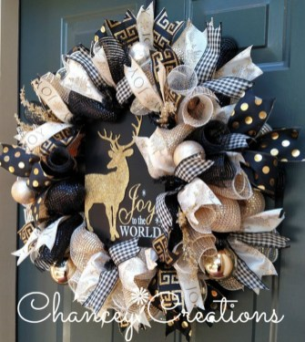 Elegant Black And Gold Christmas Decoration Ideas42