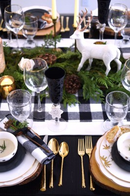 Elegant Christmas Table Decoration Ideas13