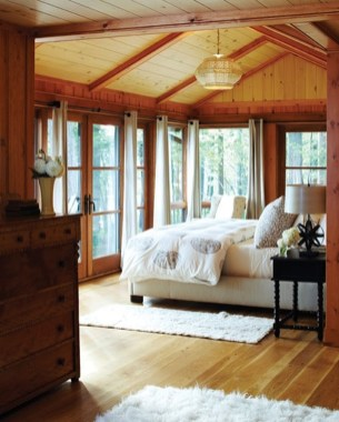 Inspiring Lake House Bedroom Decoration Ideas32