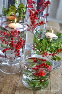 Romantic Christmas Centerpieces Ideas With Candles 18