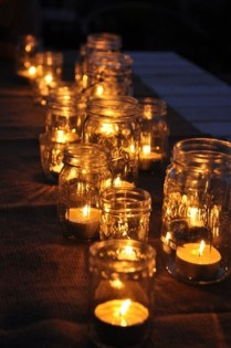 Romantic Christmas Centerpieces Ideas With Candles 20
