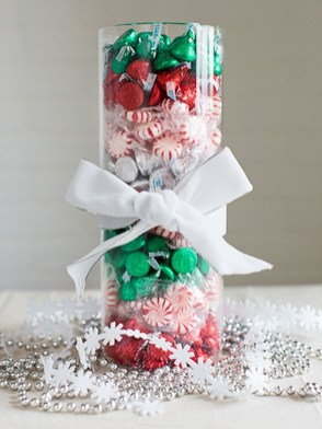 Simple And Easy Christmas Centerpieces Ideas09