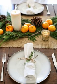 Simple And Easy Christmas Centerpieces Ideas12