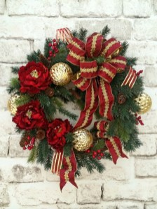 Totally Inspiring Red And Gold Christmas Decoration Ideas 10