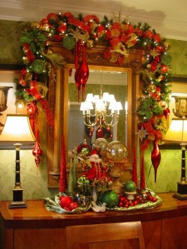 Totally Inspiring Red And Gold Christmas Decoration Ideas 18