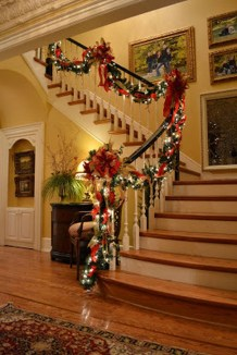 Traditional Christmas Decoration Ideas You Will Totally Love 22