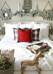 Traditional Christmas Decoration Ideas You Will Totally Love 49