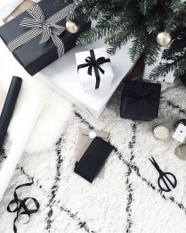 Unique And Unusual Black Christmas Decoration Ideas 43