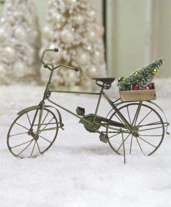 Cute Whimsical Christmas Ornaments Ideas For Your Holiday Decoration 16
