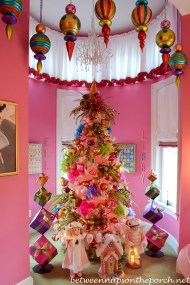 Cute Whimsical Christmas Ornaments Ideas For Your Holiday Decoration 32