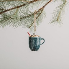 Cute Whimsical Christmas Ornaments Ideas For Your Holiday Decoration 46