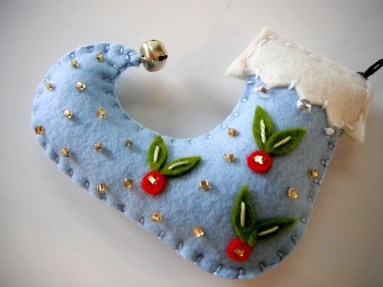 Cute Whimsical Christmas Ornaments Ideas For Your Holiday Decoration 48