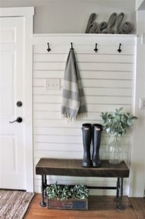 Inspiring Winter Entryway Decoration Ideas 20