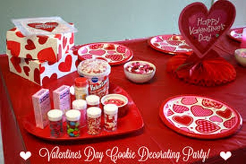 Inexpensive But Stunning Valentine Decoration Ideas 04