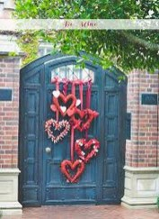 Stunning DIY Outdoor Valentine Decoration Ideas 17