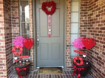 Stunning DIY Outdoor Valentine Decoration Ideas 40