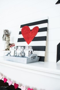 Totally Cool Valentine Mantel Decoration Ideas 16
