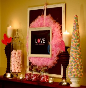 Totally Cool Valentine Mantel Decoration Ideas 32