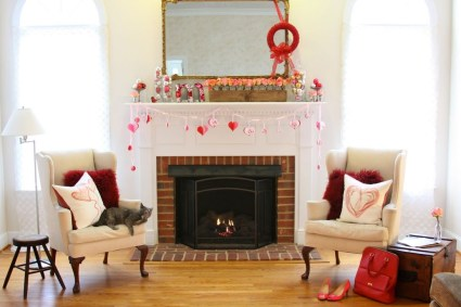 Totally Cool Valentine Mantel Decoration Ideas 33