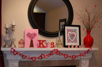 Totally Cool Valentine Mantel Decoration Ideas 35