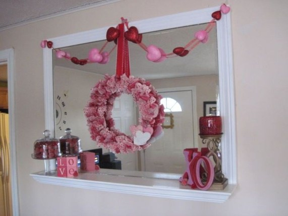 Totally Cool Valentine Mantel Decoration Ideas 41