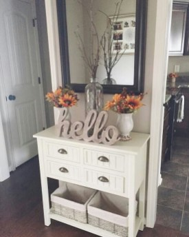 Adorable Farmhouse Entryway Decorating Ideas 09