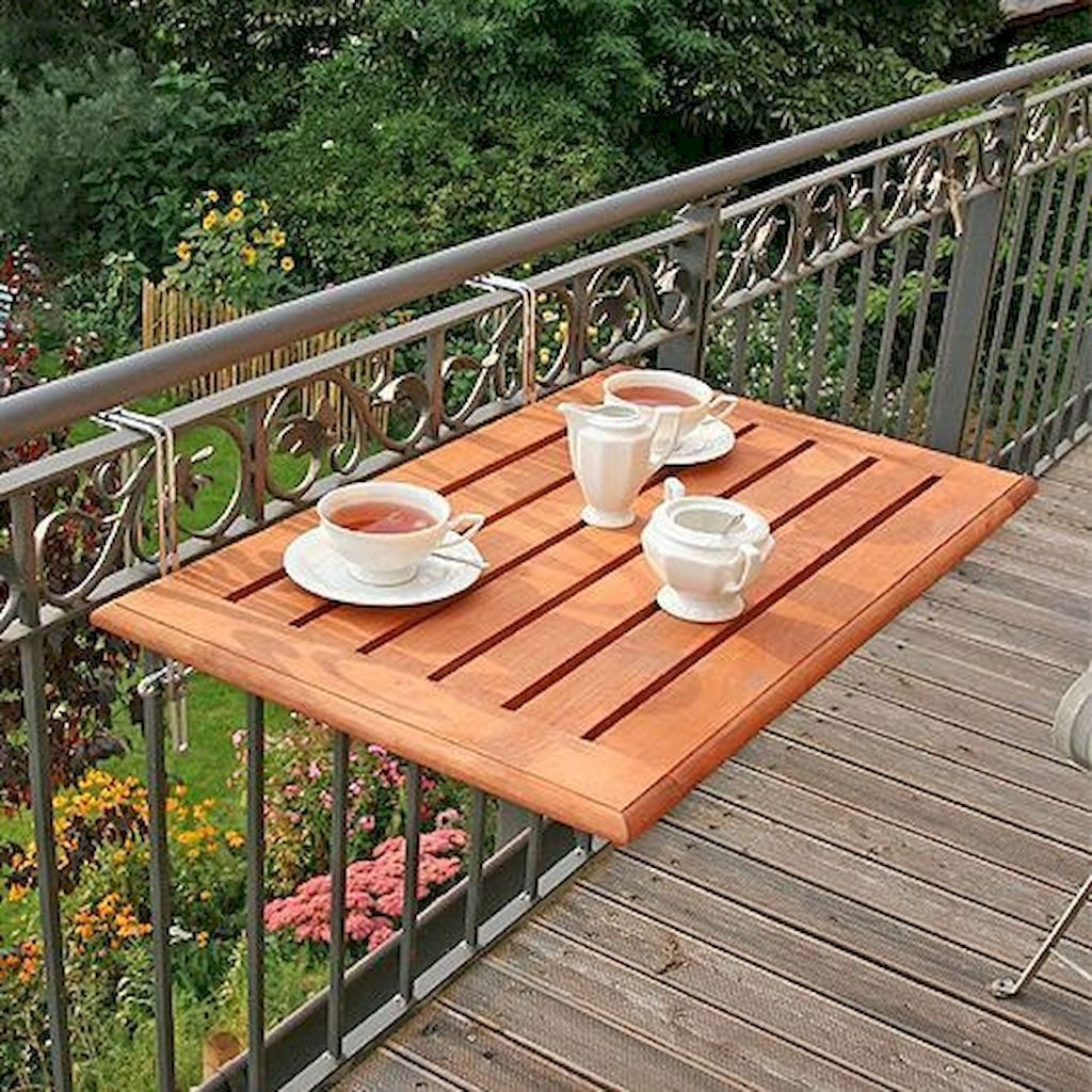 Cozy Apartment Balcony Decorating Ideas 11